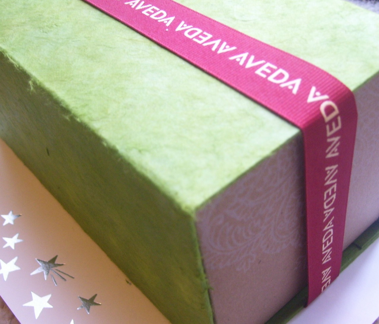 Review:  Aveda Live Life Vibrantly Limited Edition Gift Set