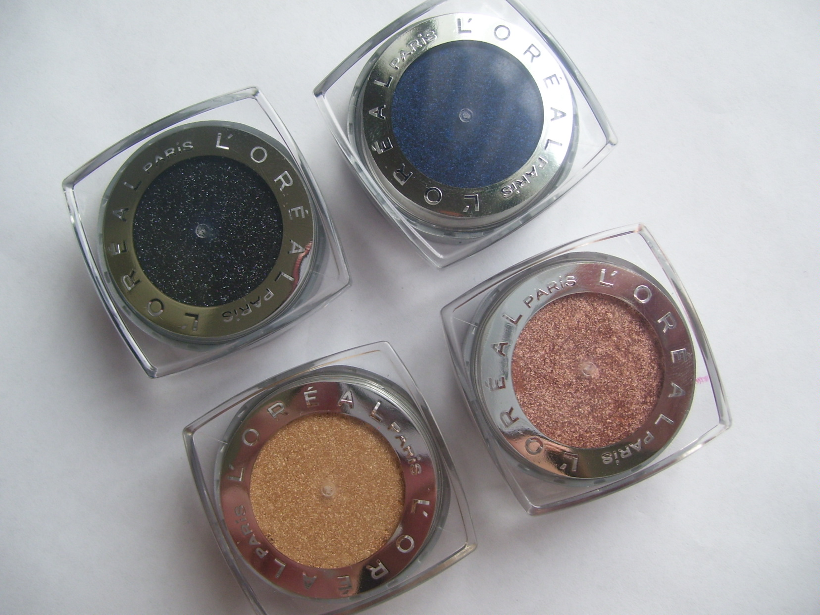 *CLOSED* Giveaway: L'Oreal Paris Infallible Eyeshadows *Open to U.S. and International Readers *